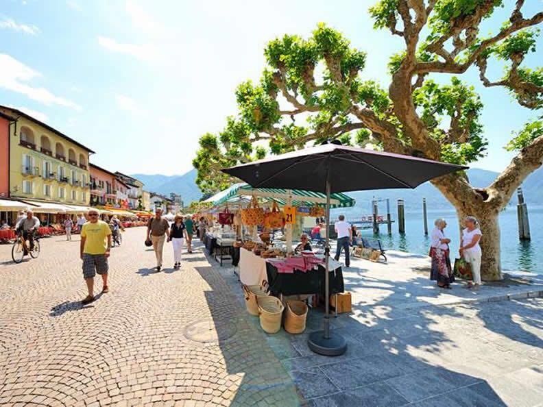 lasignoradeglianelli-mercato-ascona